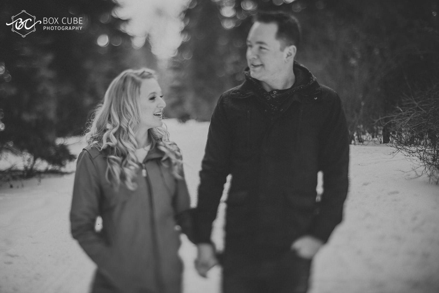 Engagement Photos at William Hawerlak Park by Box Cube Photography with free lensing