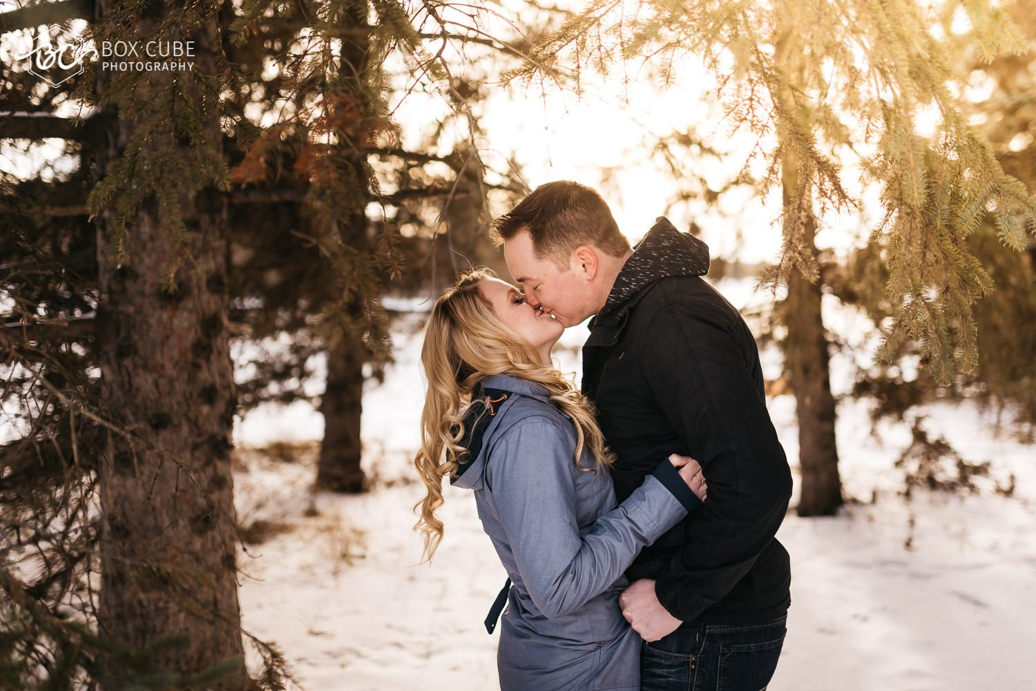 Engagement Photos at William Hawerlak Park by Box Cube Photography