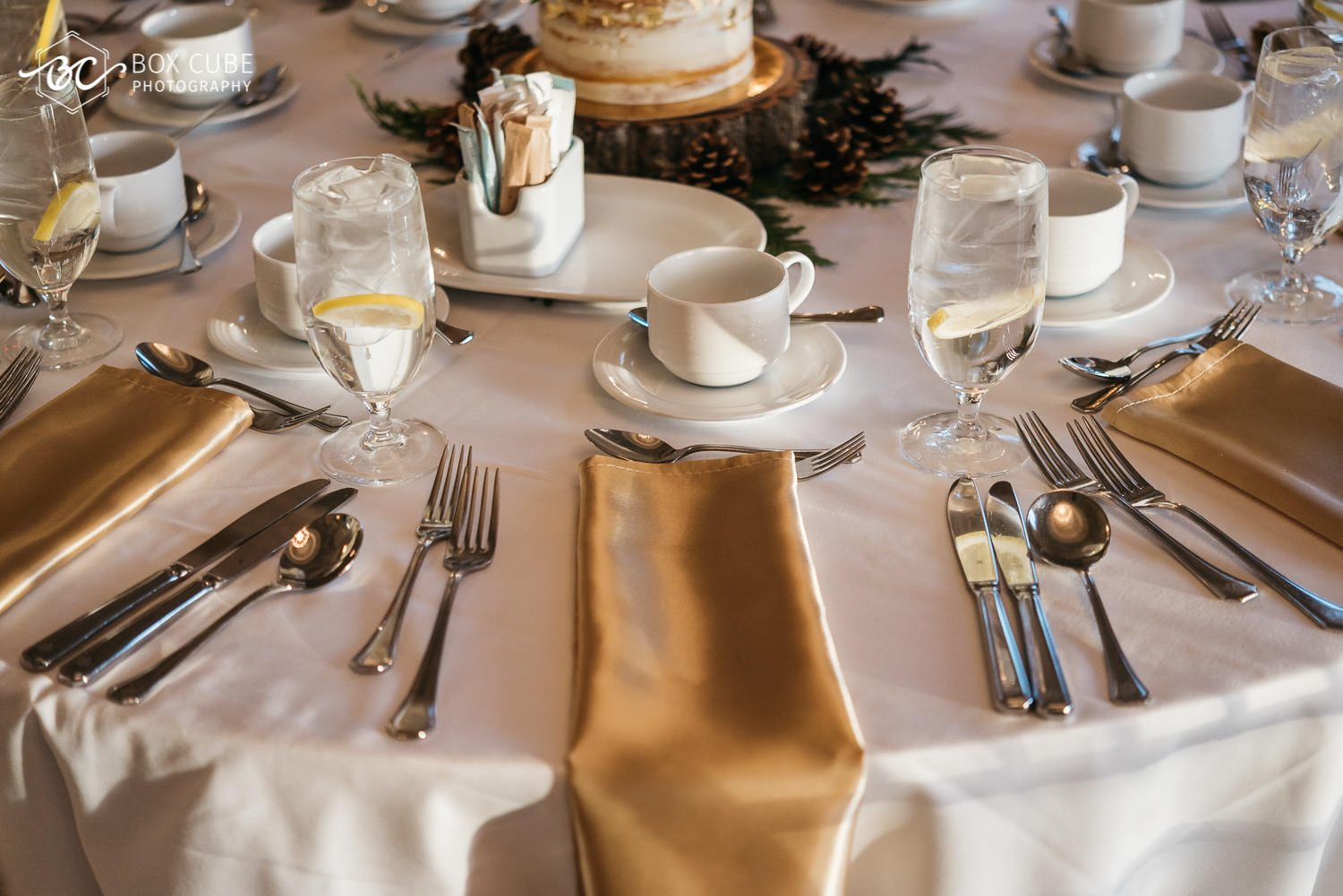 reception detail shot with golden and white colors at the hotel fairmont macdonald