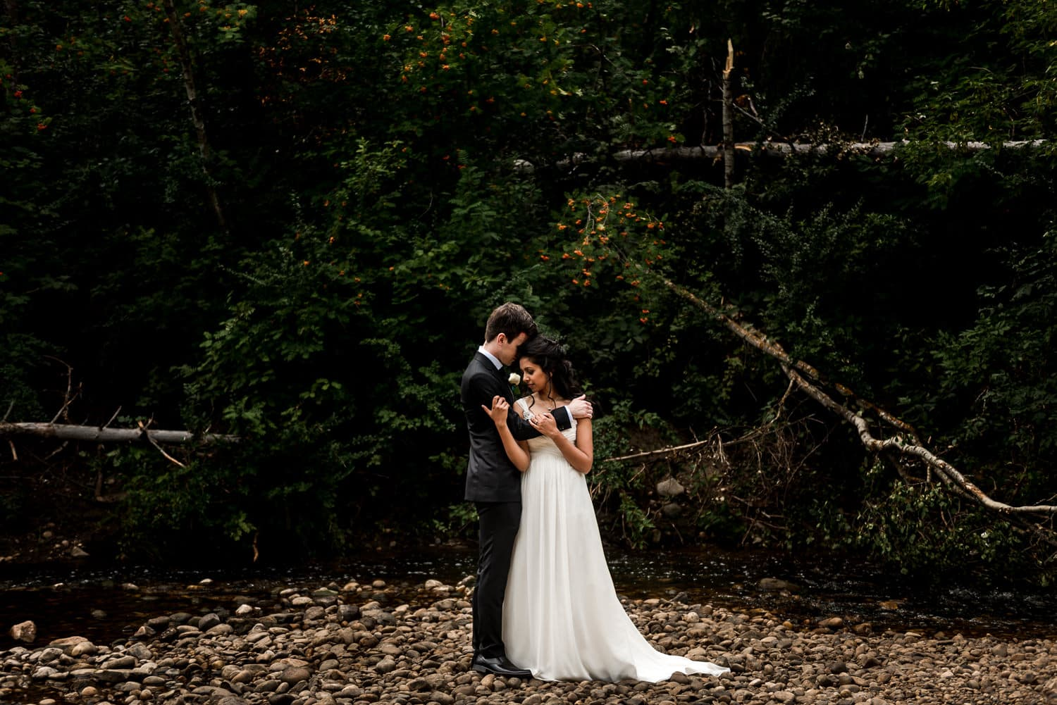 edmonton wedding photographer - wedding at mill creek ravine