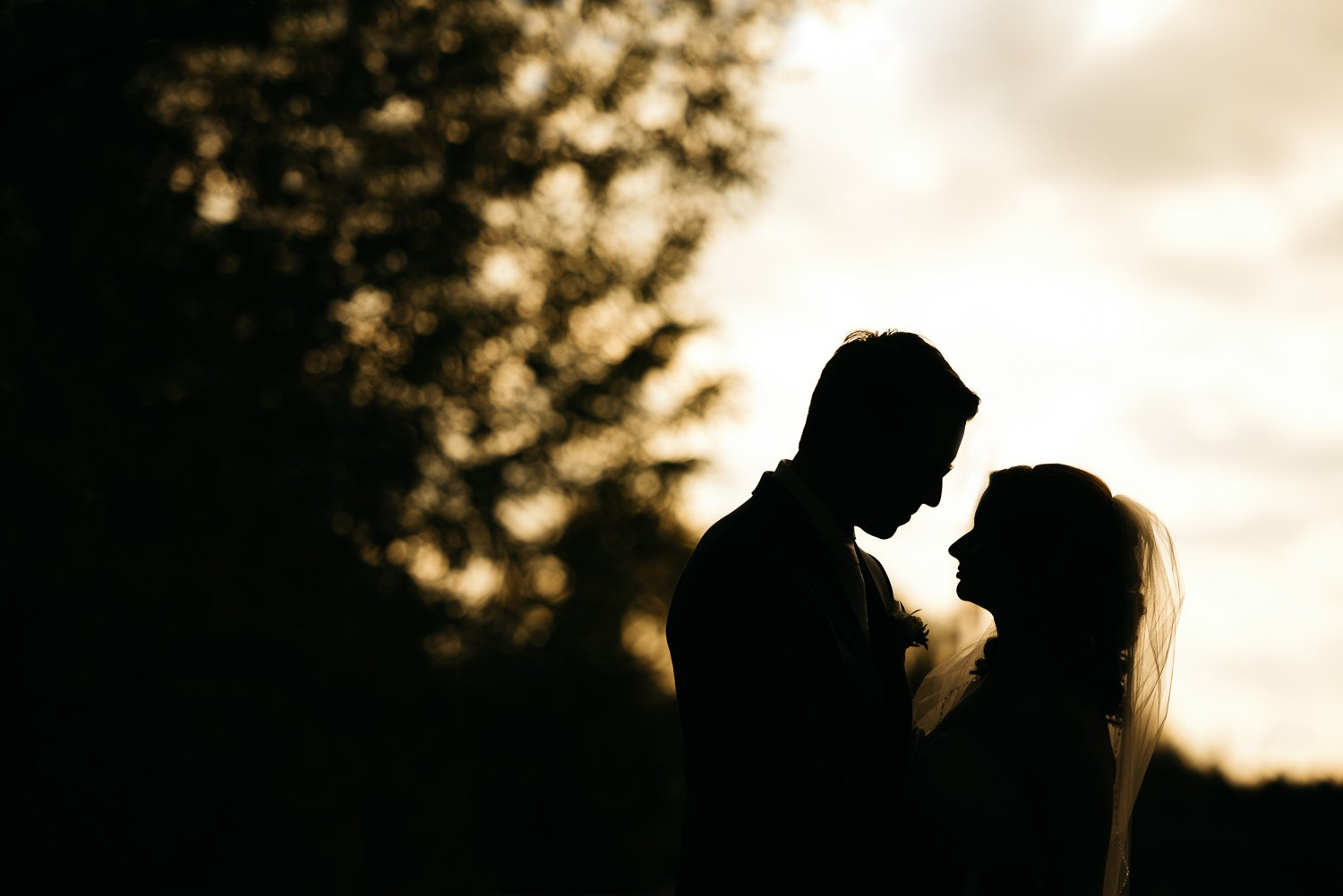 country lodge wedding couple silhouette photo