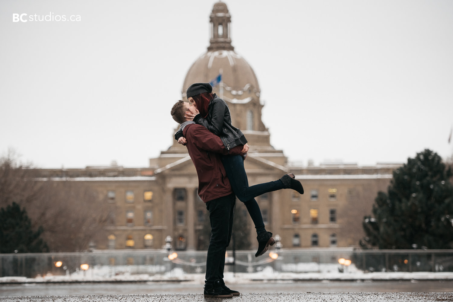 winter engagement session at alberta legislature building. edmonton engagement photography