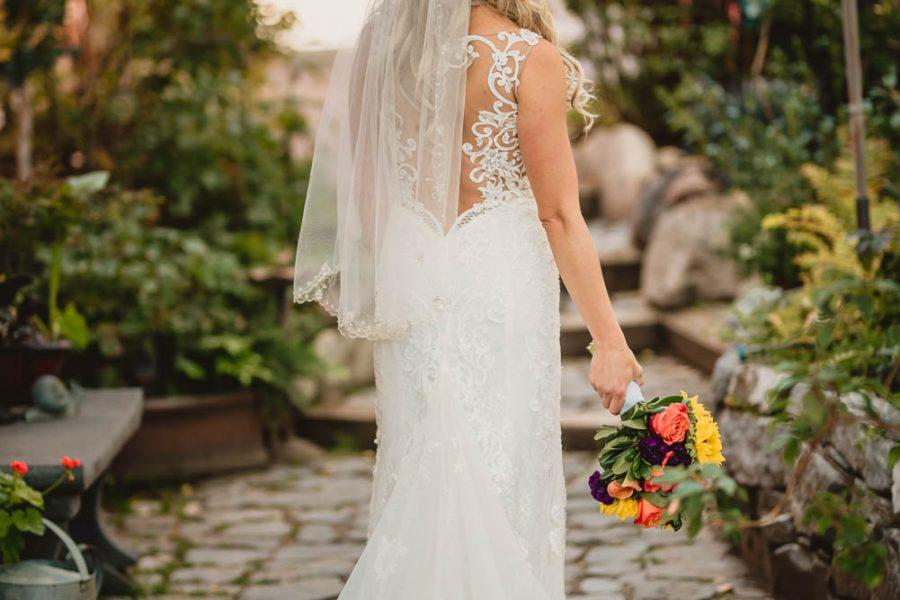 ayton-wedding-formal-portraits-edmonton-photographer-greystone-bed-and-breakfast-10-of-10
