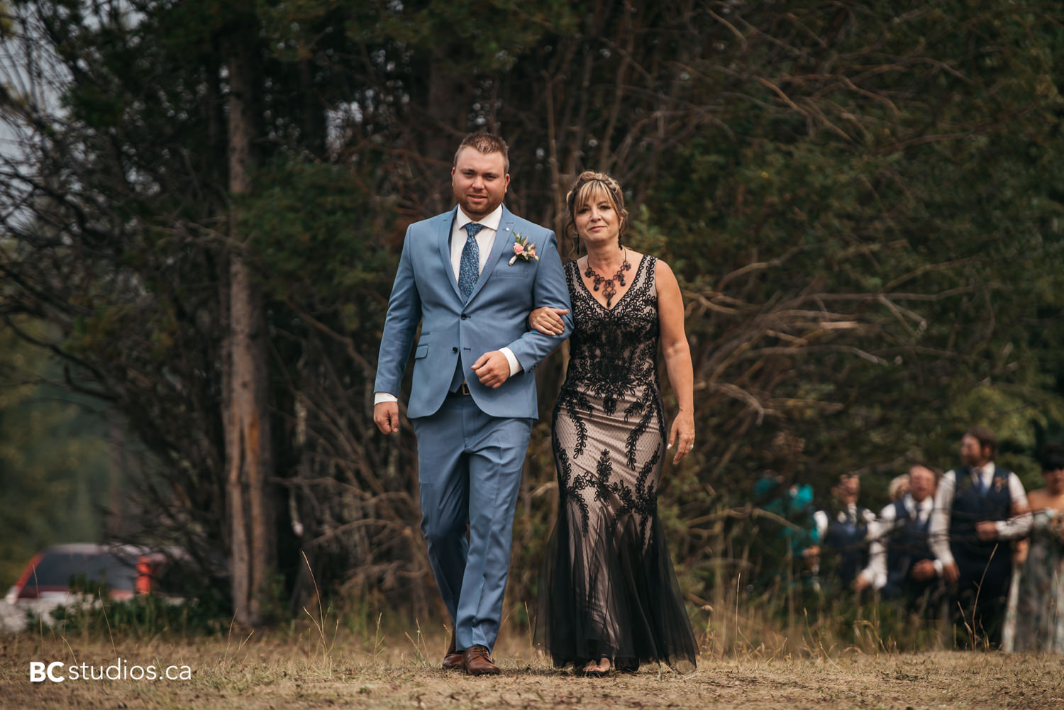mountain-wedding-photographer-wedding-at-rundle-park-canmore